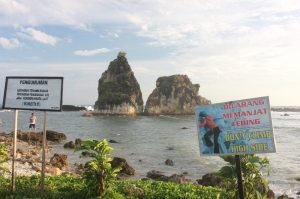 Pantai Tanjung Layar